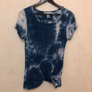 Caution to the Wind Blue Tie Dye Knotted Tee sz S